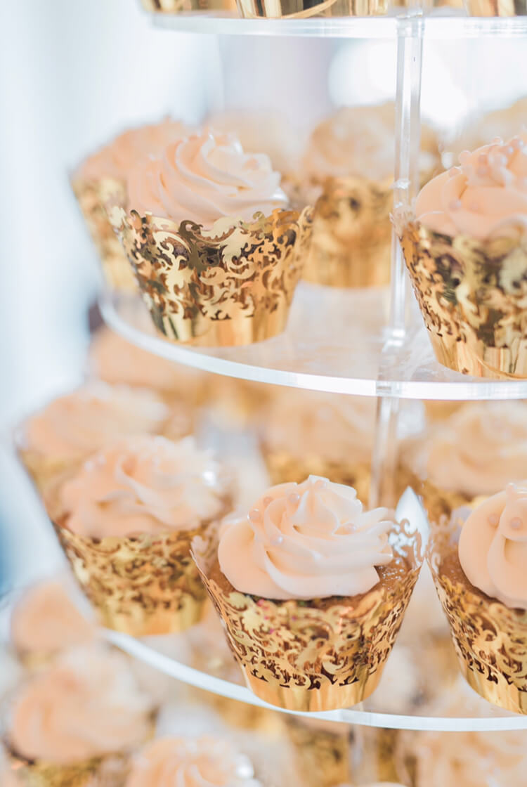 Wedding Cupcakes by Tripl3 Baked
